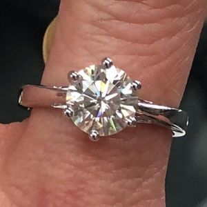 2 Carat Round Moissanite Engagement Ring